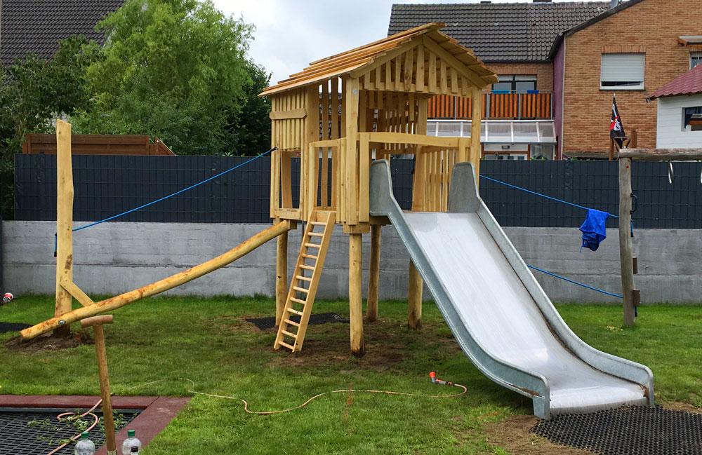 Neuer Spielturm für unsere Kids